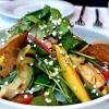 Exotischer Salat (Avocado, Mango, Quinoa)