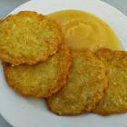 Foto zu Burg Cafe Scharfenstein: Kartoffelpuffer mit Apfelmus 3,30€