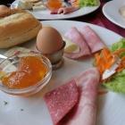 Foto zu Route 1 - Hoyer Autohof Rade: Europäisches Frühstück
