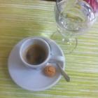 Foto zu Lopshof Café / Restaurant: Espresso gibt es mit Wasser dazu