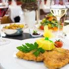 Foto zu Schwarzwaldstube im Schlosshotel: Wiener Schnitzel