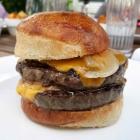 Foto zu Haus Alte Schmiede: Doppel-Burger