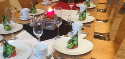 Fotoalbum: weihnachtliches Frühstück für Herzdamen