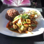 Foto zu Duck & Curry: Hühnchen und Tofu mit Natirrris