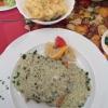 Madagaskar Pfeffer-Lachsfilet  auf Spagetti und Beilagensalat (12,40€).
