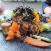Buchweizennudeln mit saisonalem Gemüse und Shiitake-Ei