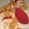 Erdbeere /  Sorbet · Panna Cotta · Salat · Vanille-Sponge · Atsina-Kresse · Kardamombaiser