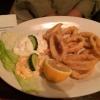 Calamari (11,90 €) mit Cocktailsauce, Zaziki und Weißbrot