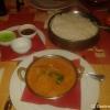 Mutton Do Piaza (Lammfleisch mit Zwiebeln, Paprika, Tomaten, Ingwer und Knoblauch in Currysoße mit feiner Chilinote) mit Reis