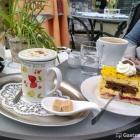 Foto zu Café Isis: Eierlikörschnitte und weißer Tee