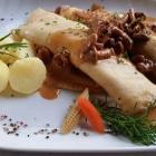 Foto zu Restaurant Die Villa: Pfannkuchen mit Pfifferlingfüllung und Salzkartoffeln