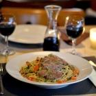 Foto zu Café Restaurant Schmuggelbud: Spaghetti mit Roastbeefstreifen in feiner Cognac-Pfeffersoße