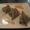 Arnaki Fileto – Lammfilet gegrillt mit einer Kombination aus Spinat und Reis