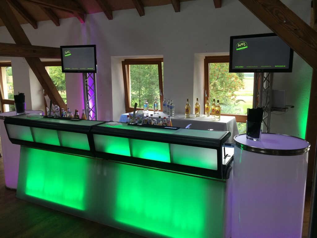 Bild zur Nachricht von Ionis.mobile Cocktail-Catering