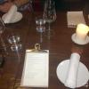 Tisch und Getränkekarte