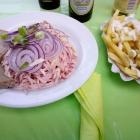 Foto zu Rader's Waldschänke und Bootsvermietung am Ebnisee: Wurstsalat mit Pommes