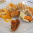 Foto zu Hotel Hochwiesmühle: Lachscrêpe mit Hummerschaum, Wan Tan, Champignons, Lachskrapfen