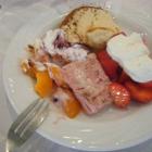 Foto zu Hotel Hochwiesmühle: Marinierte Erdbeeren, helle Schokomousse