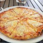 Foto zu Burghof: Pizza Salami