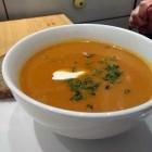 Foto zu Suppe mag Brot: Paprikacrèmesuppe