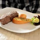 Foto zu Chaplin`s - Steakhouse & Restaurant: Rumpsteak 200g mit Knoblauchbrot und Kräuterbutter