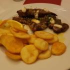 Foto zu Restaurant Akropolis: Lammteller – Spieß, Filet und Kotelett