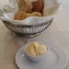 Frisches Brot mit Knoblauch Mayonnaise
