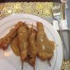 Hühnerfleisch-Spießchen mit Erdnusssauce