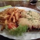 Foto zu Dyck's Weinstube: Italienisches Schnitzel mit Pommes