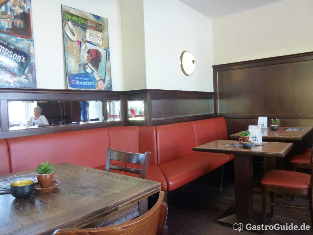 caf und restaurant an zentraler stelle gastroguide. Black Bedroom Furniture Sets. Home Design Ideas