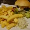 Veggie-Burger mit Beilagen