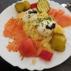 Foto zu Gutsausschank Prodöhl: Kleine Portion Russische Eier mit echtem Lachs