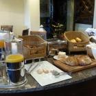 Foto zu Parkhotel Wallgau: Saft, Brot und Brötchentisch