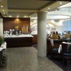 Foto zu Parkhotel Wallgau: Eingang zum Speisesaal Hausgäste