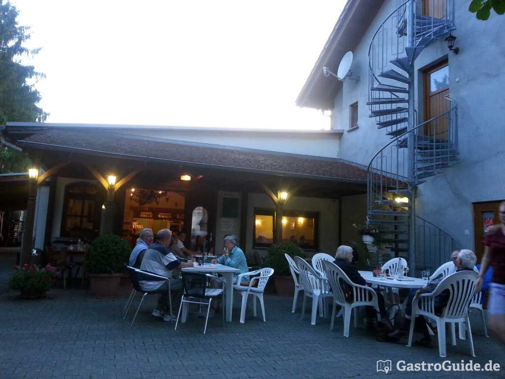 Gutsschänke - Weingut Brückmer Gastro in 55296 Lörzweiler