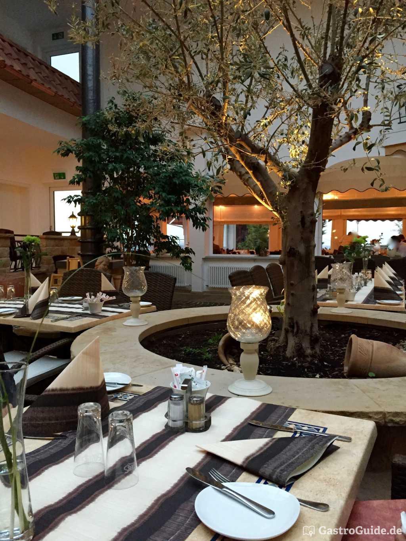 piazza leone im wildpark hotel restaurant in 56470 bad marienberg. Black Bedroom Furniture Sets. Home Design Ideas