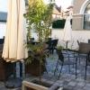 Außenbereich hinter dem Cafe