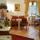 Foto zu Historisches Wirtshaus an der Lahn: Gastraum