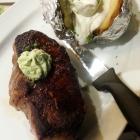 Foto zu SPR - Panorama Restaurant GmbH: 300 gr. US Beef - Rumpsteak mit Ofenkartoffel und Sour Cream zu 7,90€