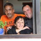 Foto zu TAPAS & Co. - Deutsch-Spanische Küche: Unser Team: Bernie, Isa und Theo