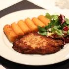 """Foto zu TAPAS & Co. - Deutsch-Spanische Küche: Schnitzel """"Wiener Art"""" - mit Kroketten und Salatbeilage"""