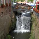 Foto zu Zunftstube: Der Wasserfall, mitten im Ortskern