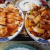 """Rindfleisch mit Zwiebeln"""" für 7,50- € und zum andern """"Hähnchenbrust knusprig gebacken mit Ananas süßsauer"""