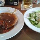 Foto zu Gleis 1: Paprikaschnitzel mit Salat