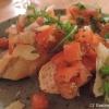 Bruschetta mit Tomaten, Rucola und Parmesan