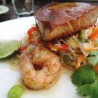 Foto zu Pfälzer GenussFraktion: Halbroh gebratener Thunfisch mit Glasnudelsalat