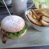 """Burger """"Käse&Speck"""" mit Heumilchkäse und Speck"""