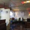der Gastraum; klein, modern, sauber