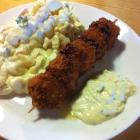 Foto zu Alte Schmiede - Imbiss Schmidt: Fischspieß mit Kartoffelsalat und Remoulade
