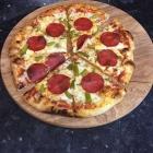 Foto zu Döner Welt: Salami Pizza